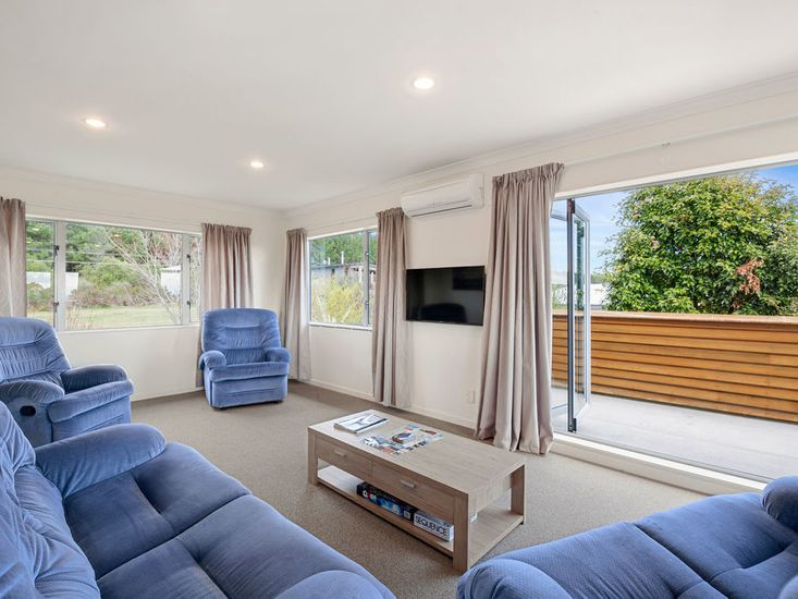 Open plan lounge two
