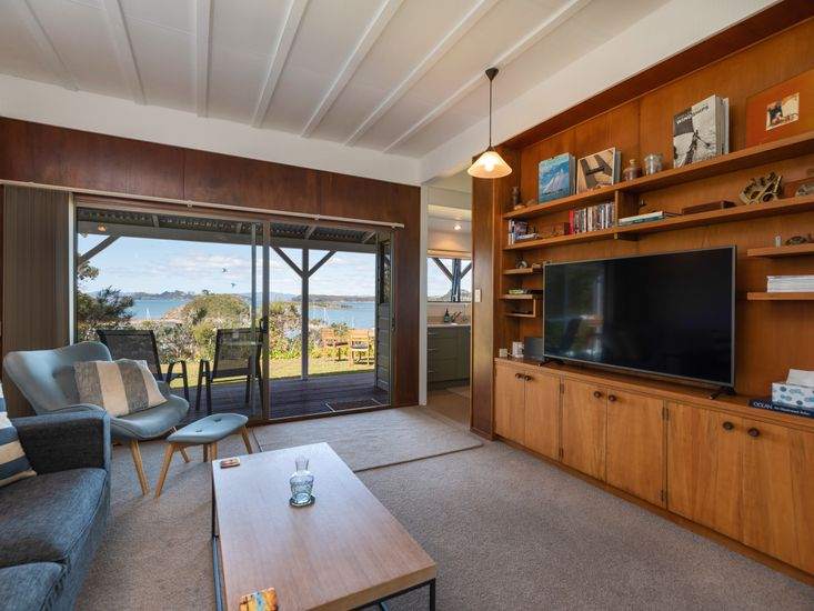 Lounge opens out to sheltered sundeck