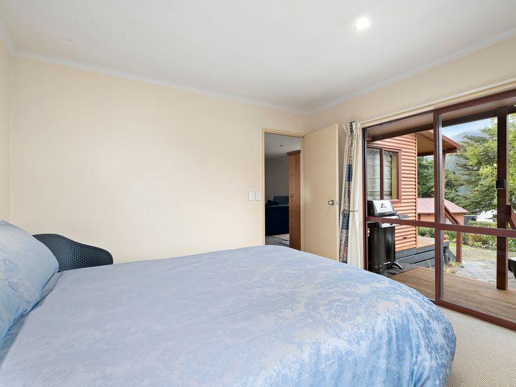9 - Master bedroom