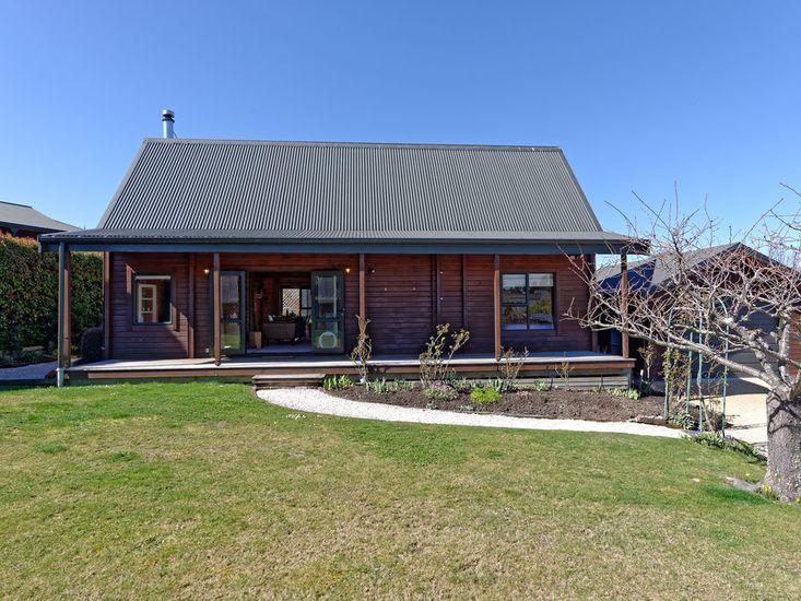 Lavender Cottage - Hanmer Springs Holiday Home
