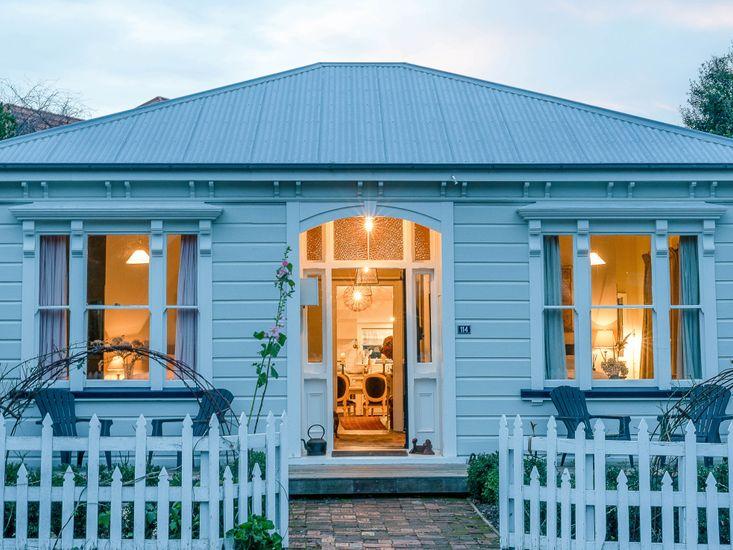 The Villa Akaroa - Akaroa Holiday Home
