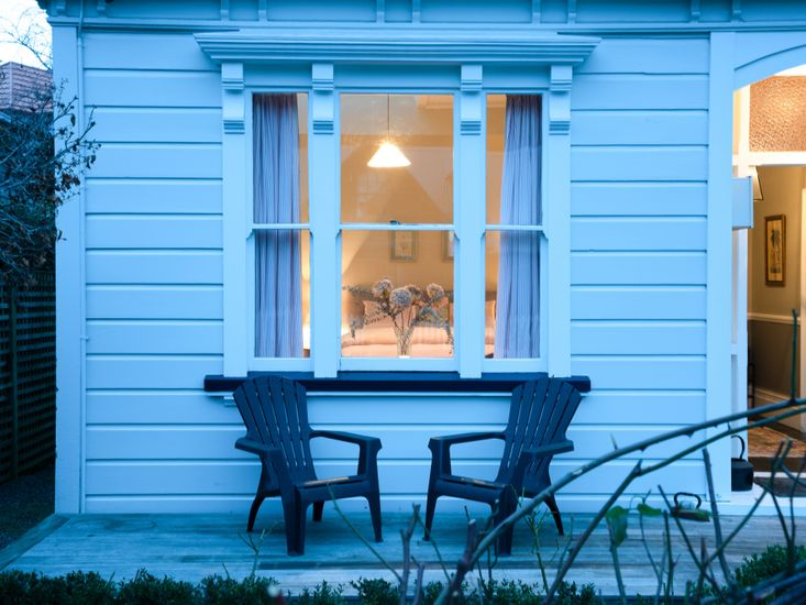 Outdoor bedroom view