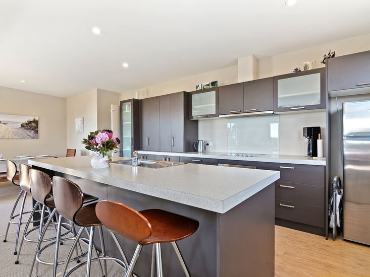 Modern kitchen fit out