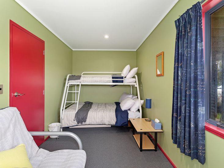 Bedroom 4 - bunk beds