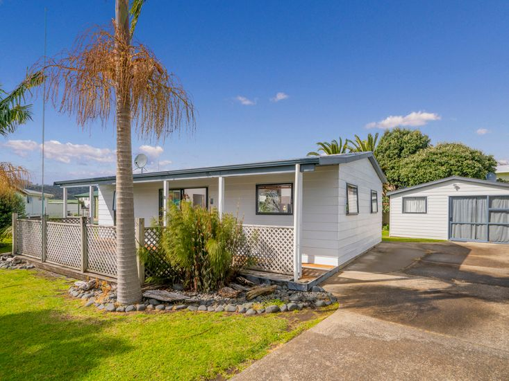 Endeavour Cottage - Whitianga Holiday Home