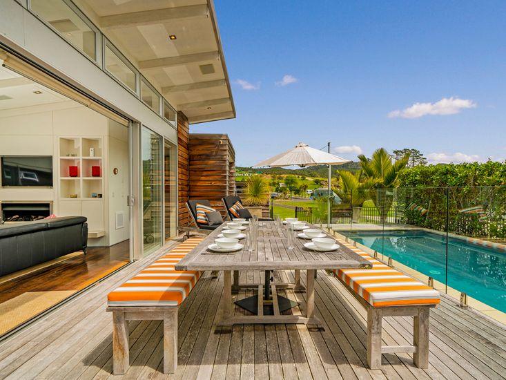 Sun Seekers Paradise - Whangapoua Holiday Home