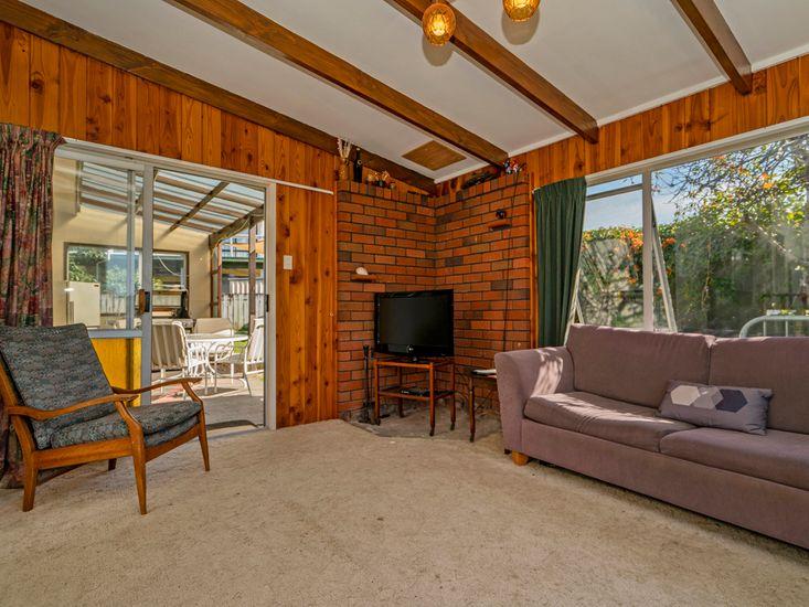Comfy lounge area onto outdoor area