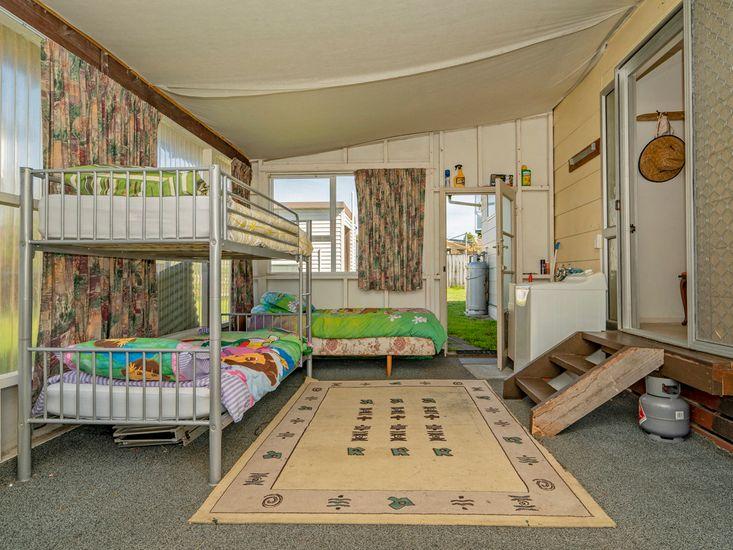Sunroom and laundry facilities