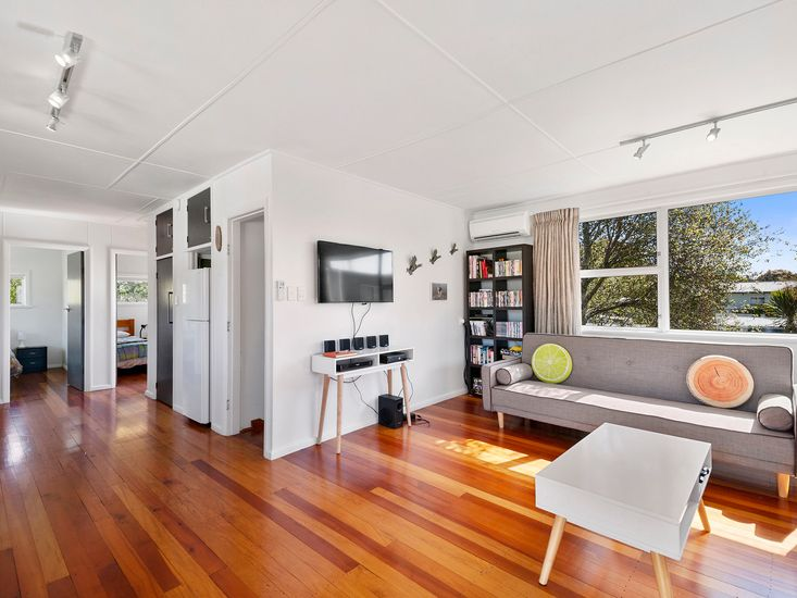 Open plan living area onto bedrooms