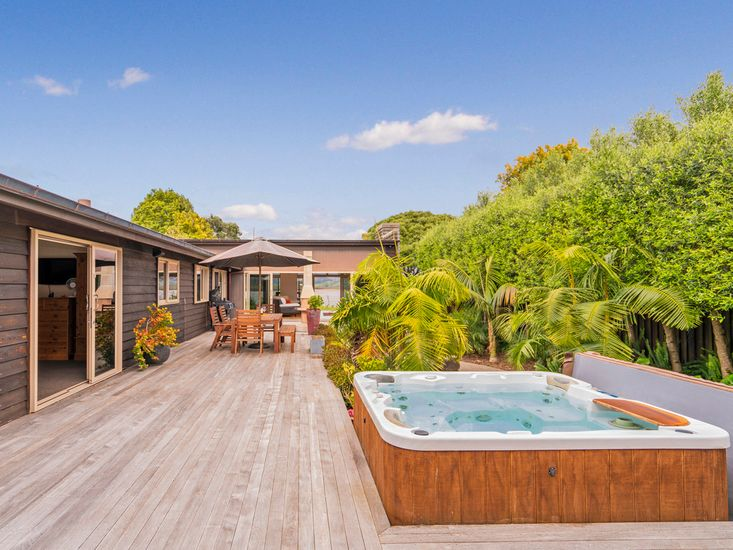 Wonder On The Water - Whitianga Holiday Home