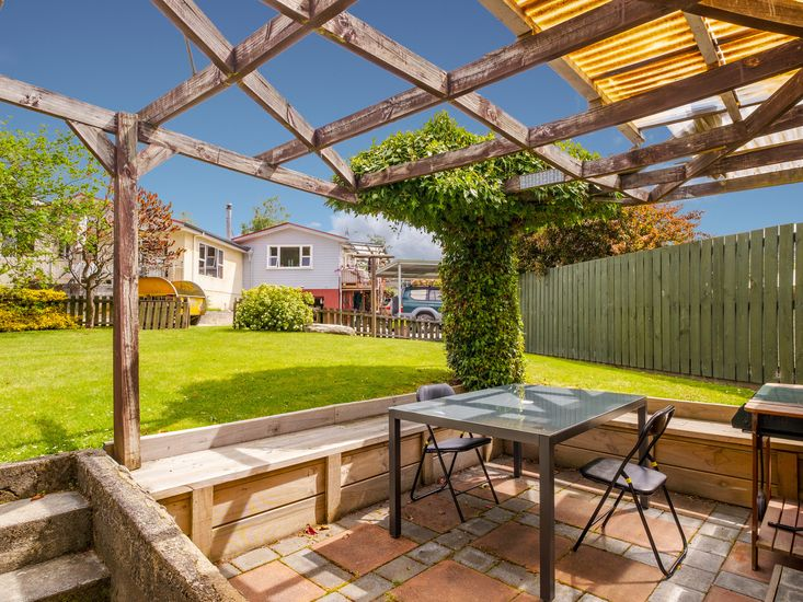 Sheltered outdoor dining and BBQ area