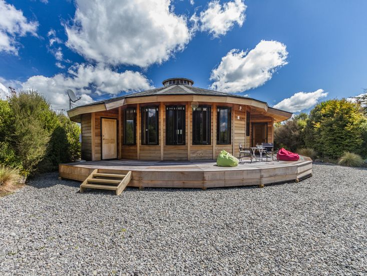 The Snowglobe Ohakune Modern Yurt Style Chalet Bachcare Nz Start now and order a yurt. the snowglobe ohakune modern yurt