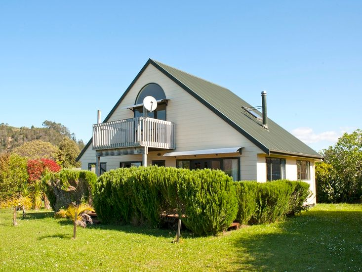 Rosemary Cottage - Hahei Holiday Home - Exterior