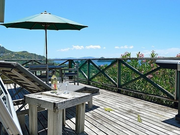 Campbell Lodge - Hahei Holiday Home - Outdoor Living
