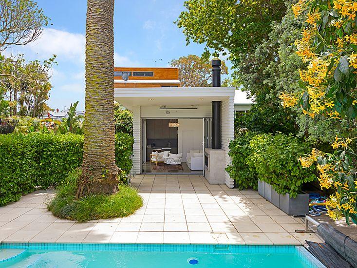 Phoenix Palm Pool Retreat