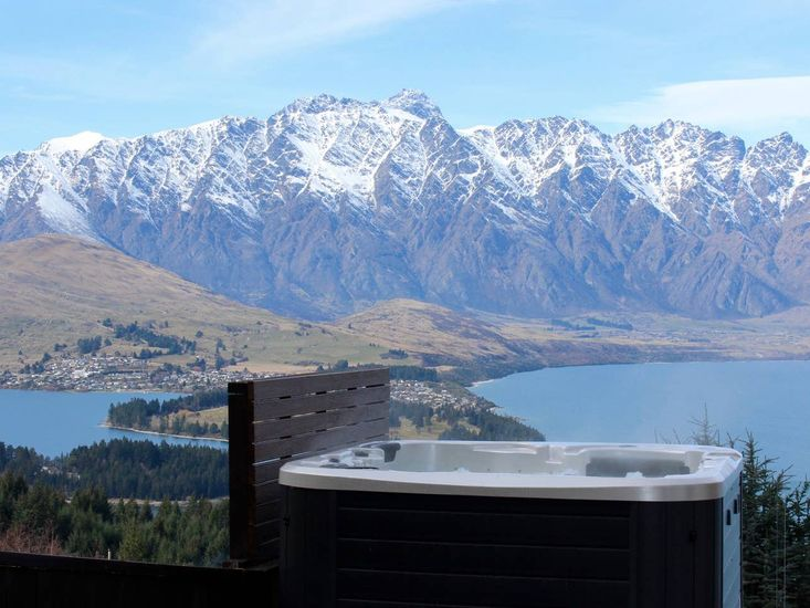 queenstown accommodations with spa pool