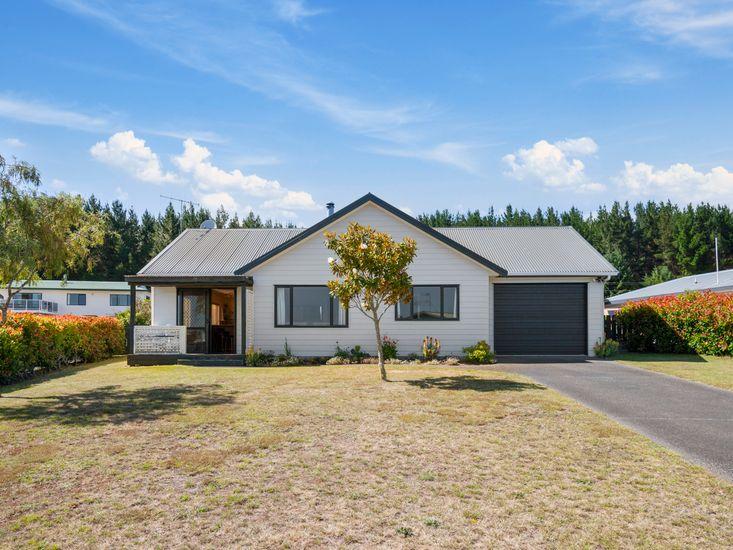 Te Kaha Holiday Homes