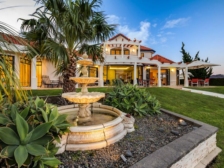 luxury holiday home in the coromandel