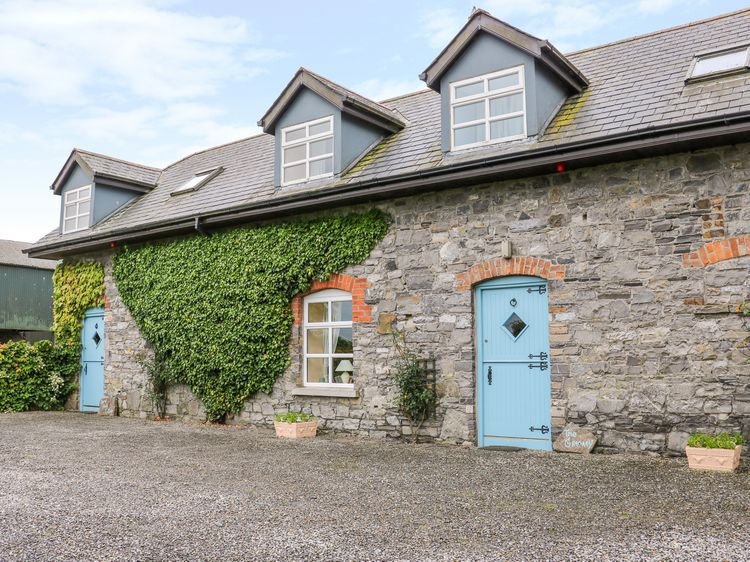Hotels in Dunshaughlin. Book your hotel now! - potteriespowertransmission.co.uk