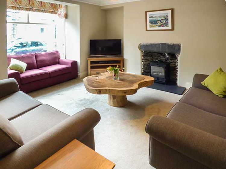 Parkgate Bowness On Windermere Windermere The Lake District And Cumbria Self Catering Holiday Cottage