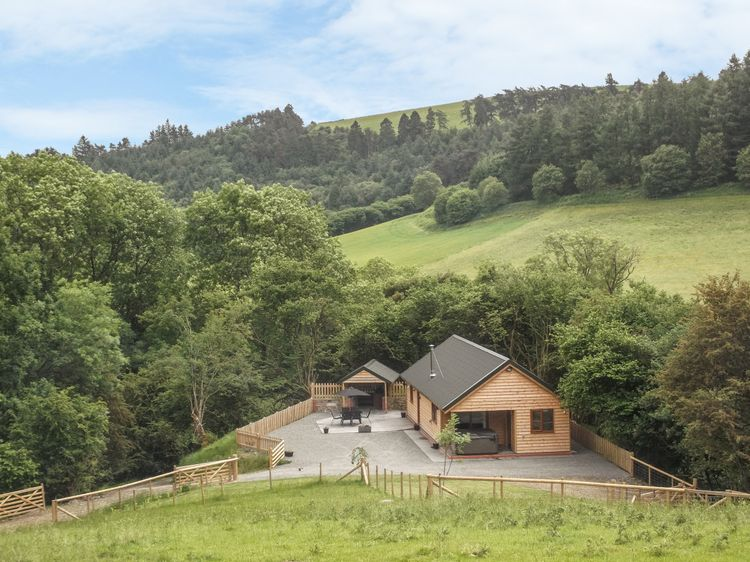 Ploony Hill Lodge Bleddfa Self Catering Holiday Cottage